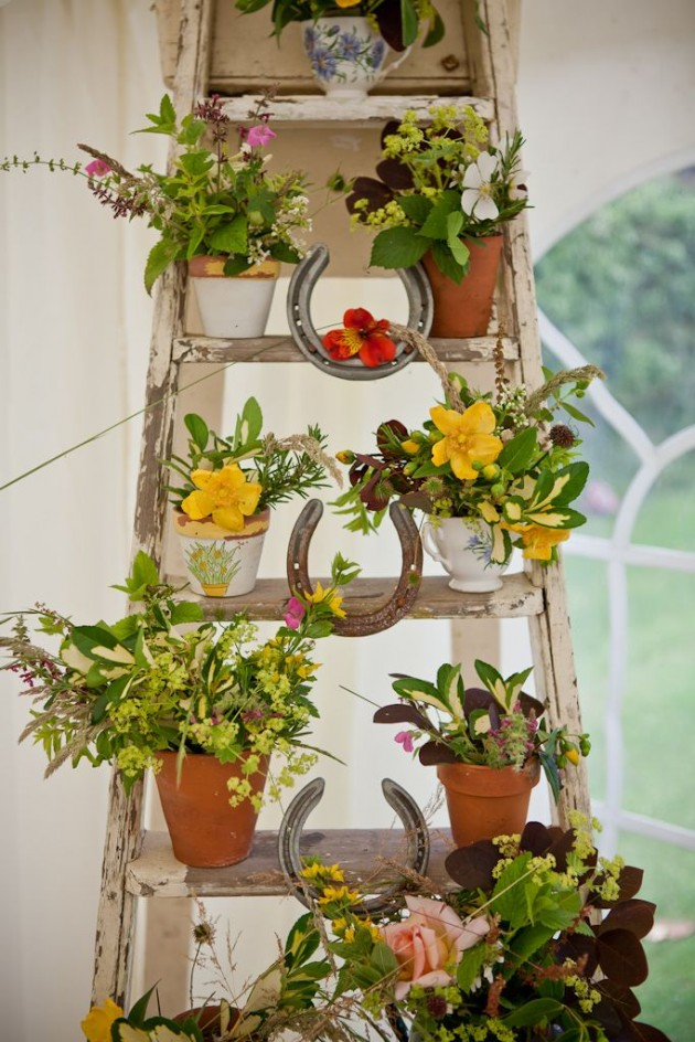 20 most beautiful vintage garden ideas home decor diy for Classic house with flower garden