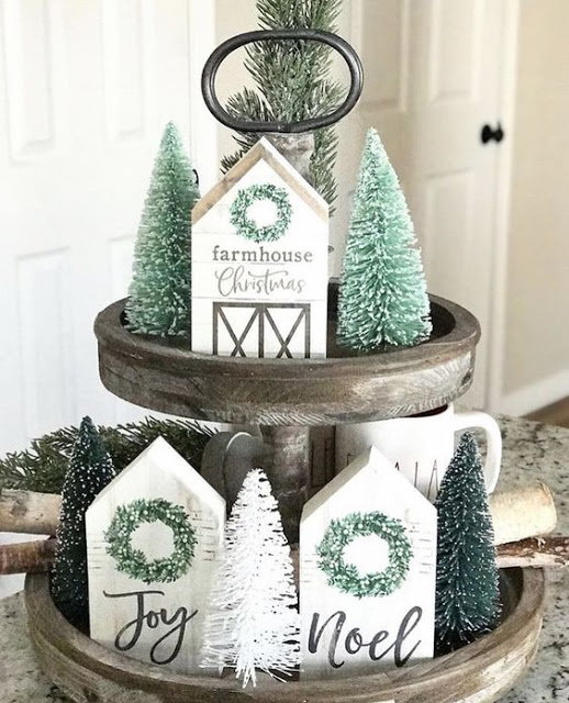 Exciting Diy Christmas Centerpiece Ideas (11)